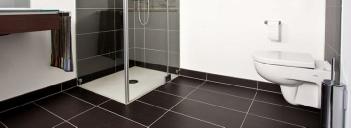 neues badezimmer was kostet ein neues badezimmer. Black Bedroom Furniture Sets. Home Design Ideas